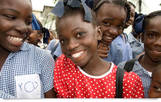 Miljontals barn fick hjälp förra året tack vare alla som bidrar med pengar och engagemang.
